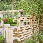 Украсим сад поддонами. Какую мебель можно сделать из палет