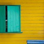 Лицо дома. Чем можно качественно и недорого отделать фасад на даче?